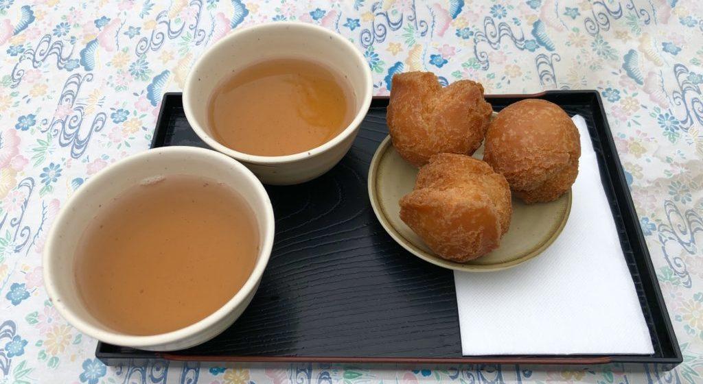 サーターアンダギーとさんぴん茶