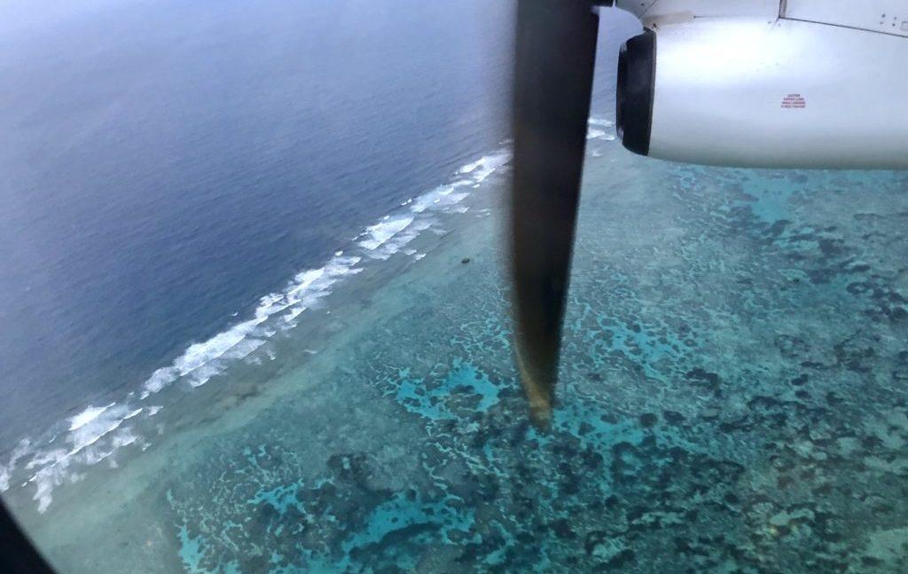 飛行機から見る海