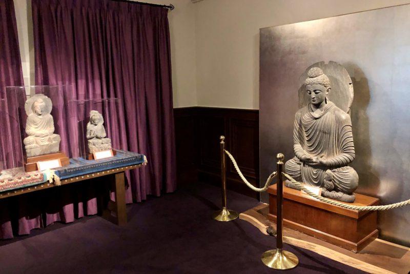 山手八番館 ガンダーラの仏像