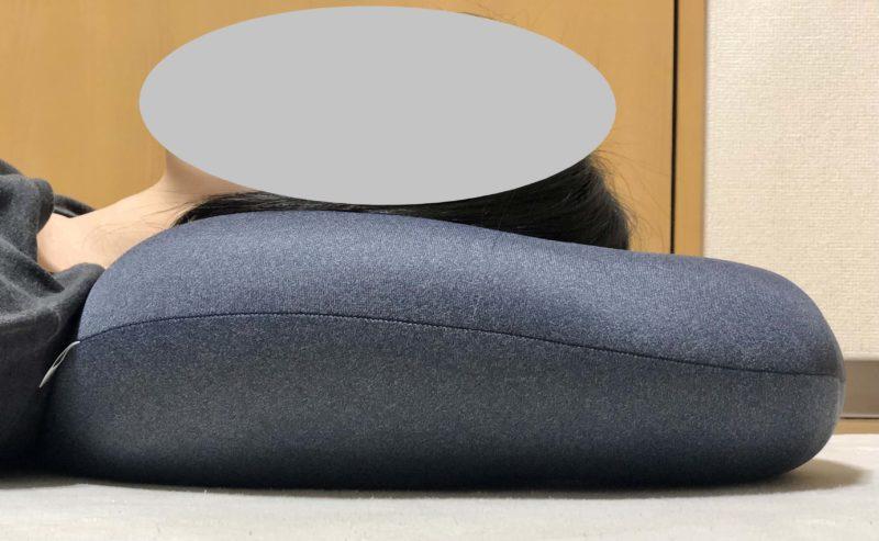 MOGU プレミアムホールクッションをお昼寝用の枕として使用