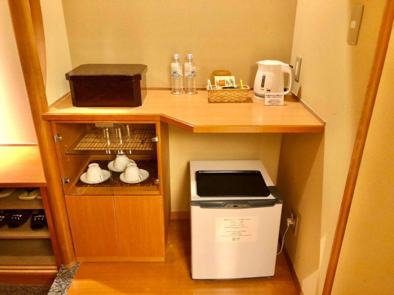 大池ホテル『別館 悠楽』のリビングソファー付き和室の客室設備
