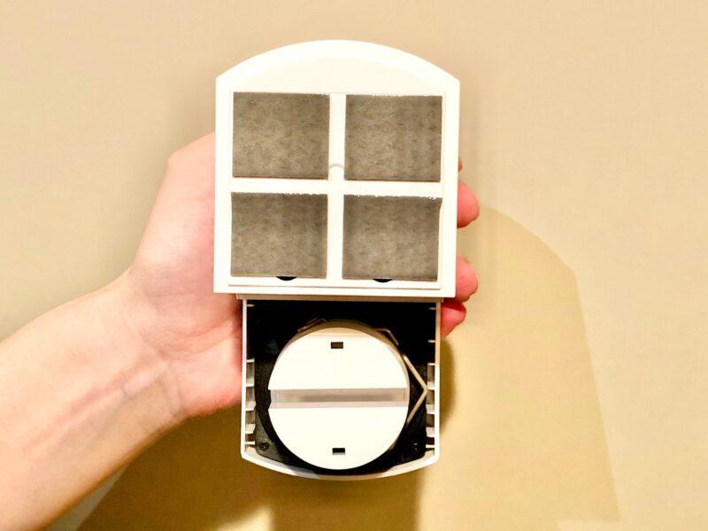 SADIOT LOCKの設置方法(両面テープを貼り付ける)